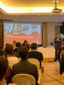 Andrea Vinelli parla all'evento in cui è stato firmato il protocollo d'intesa tra Alumni Università di Padova e l'Associazione Alumni della Scuola Galileiana